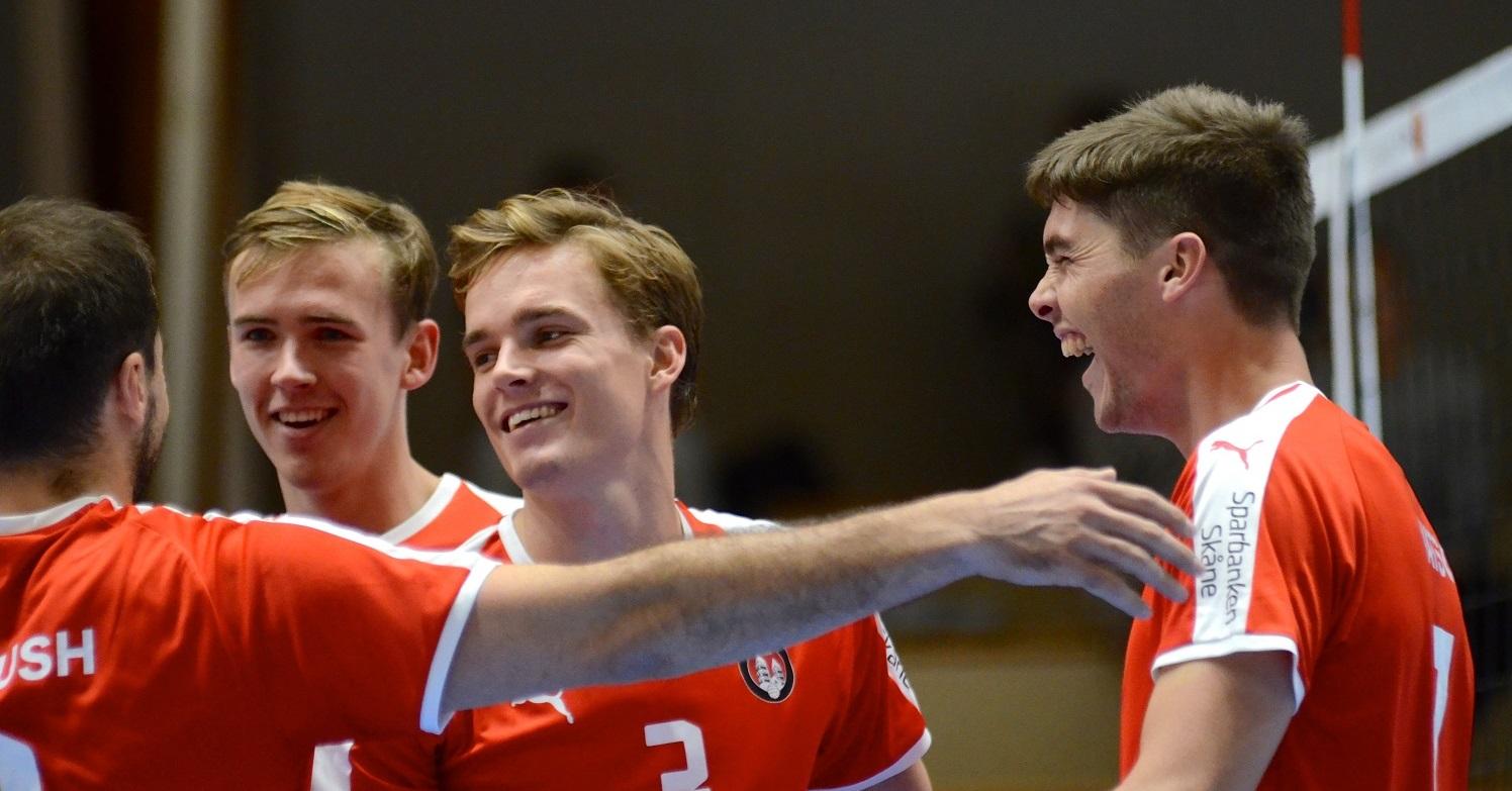 Glada miner efter vunnen poäng (Foto: Petter Borna)