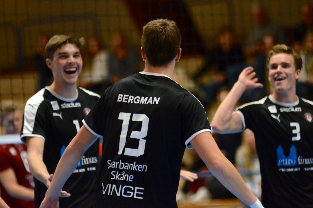 Firande efter vunnen poäng (foto: Petter Borna)